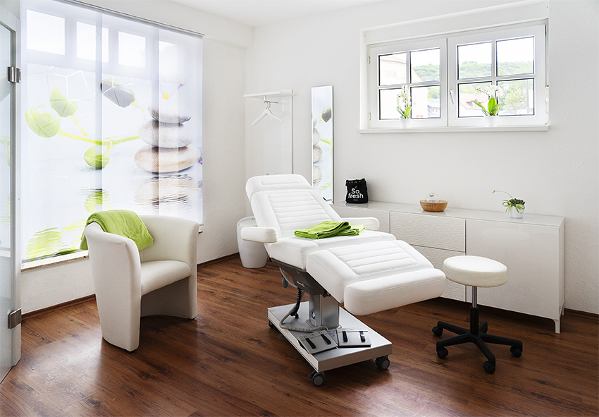 Behandlungszimmer Kosmetikstudio Auszeit Natürlich in Balance Bad Liebenstein